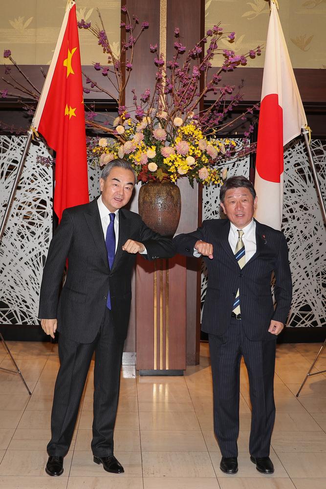王毅氏、日本の茂木敏充外相と会談 五つの重要な共通認識達成