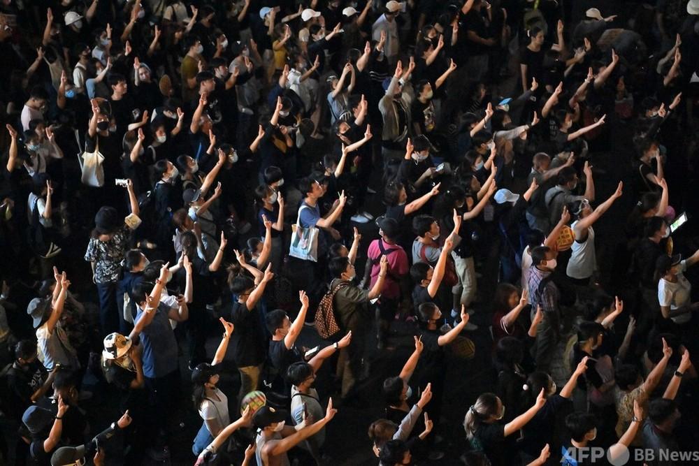 タイ、約3年ぶり不敬罪適用 民主派12人に出頭命令