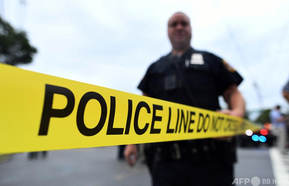 SUVがトラックと衝突、15人死亡 定員超過の27人乗車か 米
