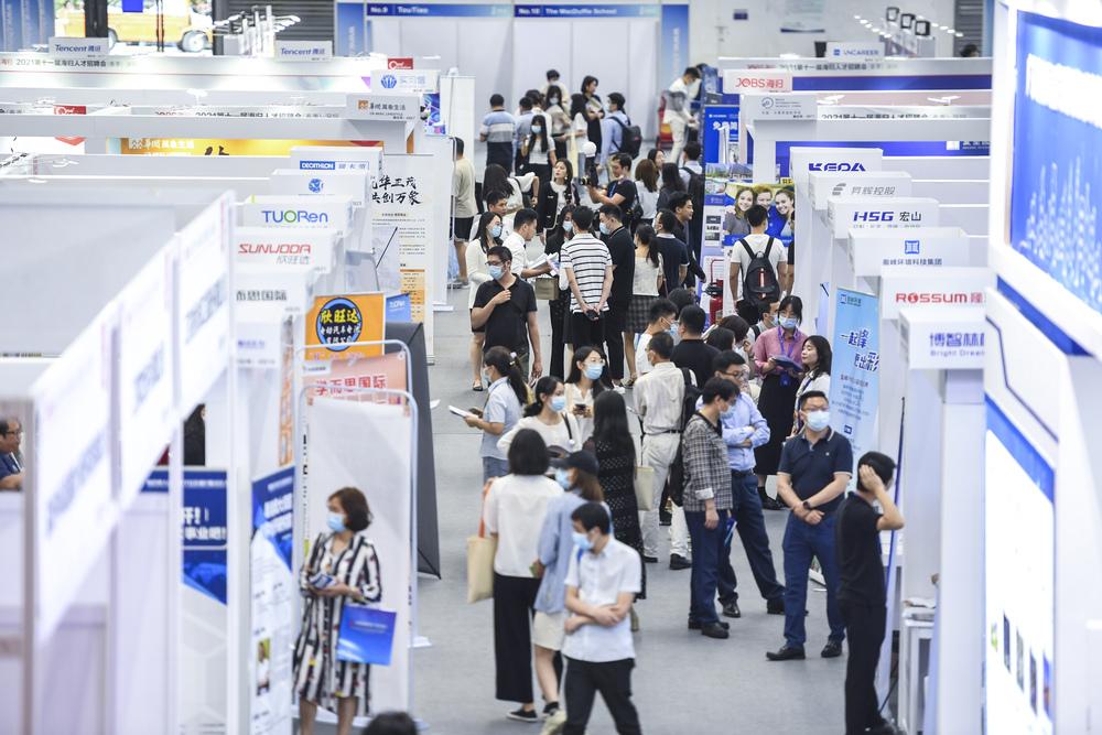 中国都市部の新規就業者、1~4月は437万人 国家統計局