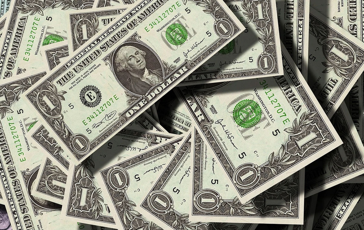 [ITmedia ビジネスオンライン] 社長・CEOの報酬水準、日米格差が13倍に 役員報酬が減った業種は?